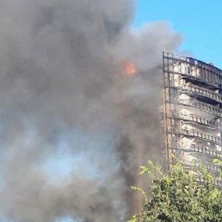 Milano, incendio divora palazzo di 15 piani: ipotesi cortocircuito