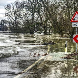 Ridurre il rischio inondazioni ci costerà caro