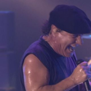AC-DC - Thunderstruck (Live at the Circus Krone, Munich, Germany June 17, 2003)