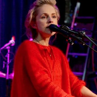 Agnes Obel - It's Happening Again (opbmusic)