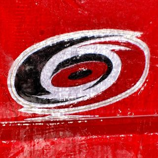 Hurricanes sign goaltender Cam Ward to a two-year, $6.6 million contract extension.