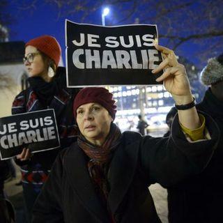 Francia, Charlie Hebdo ripubblica le vignette su Maometto: domani l'apertura del processo per l'attentato del 2015