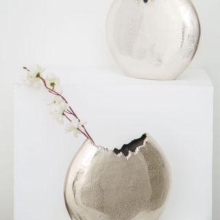 8 Ideas for Decorating Vases using Unique Fillers