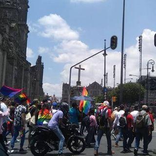 Celebran Día Internacional del Orgullo Gay en CDMX