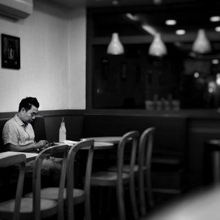 Mangiare da soli