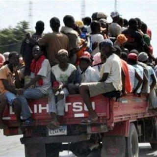 [AUDIO] Migración detiene a cientos de haitianos