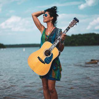 Episode #106: Singer-Songwriter Alyssa Jacey Visits!