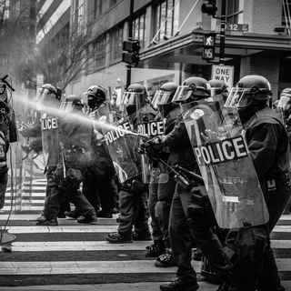 159. NOTIZIA: Le proteste contro le chiusure