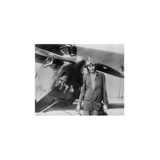 10 Things School Did Not Teach You About the Disappearance of Amelia Earhart