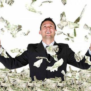 Perché avere tanti soldi se poi non spenderli e goderseli ??