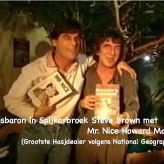 """Zware Jongens"" Veronica presentator Steve Brown met Hasjdealer Howard Marks."