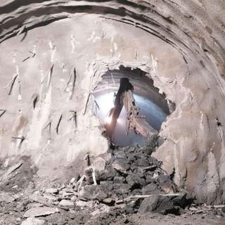 """Spv, caduto l'ultimo diaframma della galleria di Malo. Zaia: """"Da Castelgomberto a Malo in 5 minuti"""""""