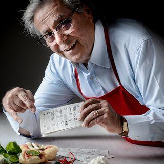 Presidente della della storica pizza Centenaria di NAPOLI  ANTONIO STARITA , il segreto della pizza? il forno a legna....