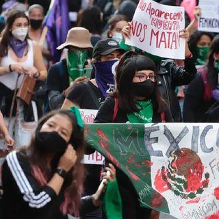 Colectivos feministas marcharon al Zócalo de la Ciudad de México, para exigir justicia ante la violencia y los feminicidios