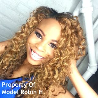 Arlene Speaks with Model Robin H