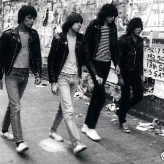 BEST OF CLASSIC ROCK playlist da classikera #1319 #Ramones #wearamask #stayhome #whatif #f9 #xbox #LaRemesaMala