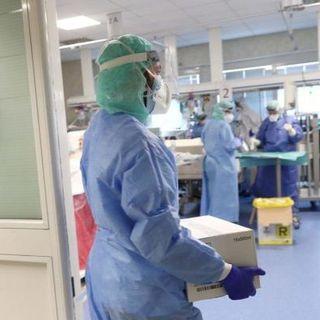 Coronavirus: non si fermano i contagi in Italia, ma il trend è in discesa