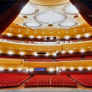 Un grande teatro moderno, il Lirico di Cagliari