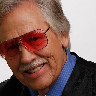 John Conlee Visits with KBEY's Ed and Kay!