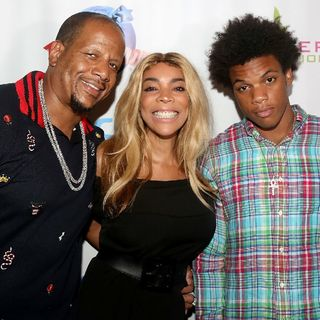 Kelvin Hunter Sr, Wendy Williams Husband, Pulls A WWE Move On Kelvin Hunter Jr