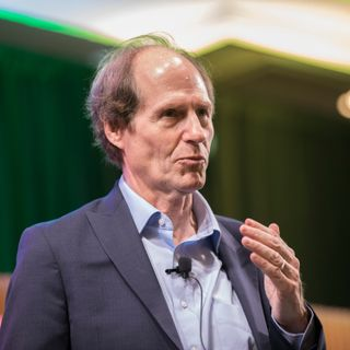 Impeachment: A Citizen's Guide with Cass Sunstein