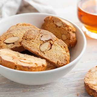 Cantucci: recipe of the traditional tuscan biscotti