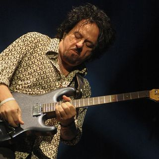 The Top-Earning Dead Celebrities of 2020 & Steve Lukather of Toto
