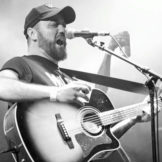 GCPH Episode 68: LIVE with singer/songwriter/story teller and recording artist Chris Hardy