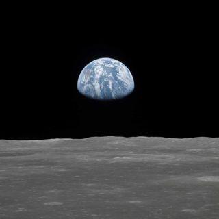 Cosmic Vertigo presents.. The Moon Landing 001 - Lift-off!