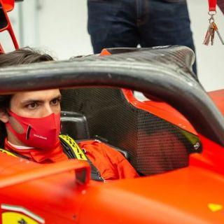 """Ferrari: Carlos Sainz Jr si presenta ai tifosi della """"Rossa"""" e promette un pronto riscatto"""