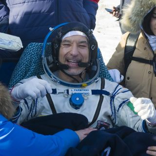 AstronautiCAST 13×15 – La Soyuz frulla come le tazze di Gardaland