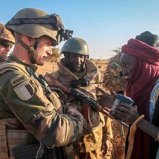 """La Francia si ritira dal Sahel: """"via i militari"""""""