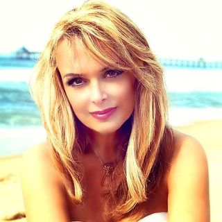 """[Interview] Dr Gina Loudon (6/29) """"Successful Author and TV Personality"""""""