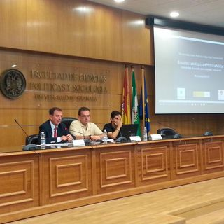 H files 24 - Conferencia Los nuevos conflictos y el debate de las botas sobre el terreno en la UGR por Ignacio Fuente Cobo