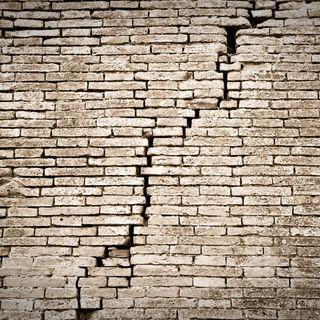 Dino Buzzati: Il crollo della Baliverna