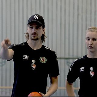 Emil Sterner och handboll i Vivalla