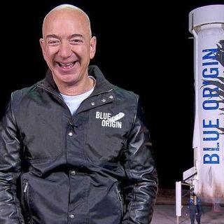 Jeff Bezos nello spazio: nel giorno dello sbarco sulla Luna