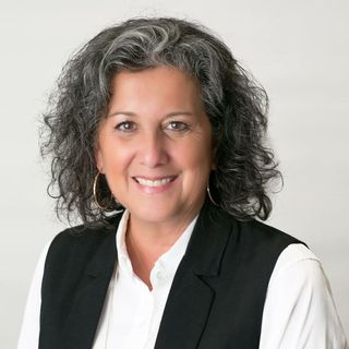 Sandra Farhart - Magnolia Realty - Buying and Selling Review