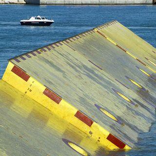 Attivato il Mose, la laguna Di Venezia separata dalla città. Conte: Non facciamo passerella