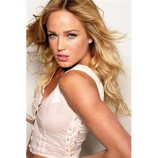 In the Arena: 'Arrow' and 'The Machine' Star Caity Lotz