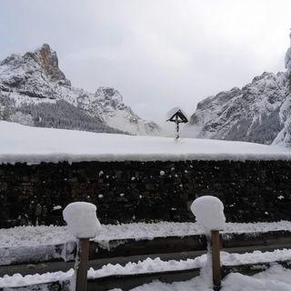 Rose in Ue, e neve in Arabia: pazzo inverno