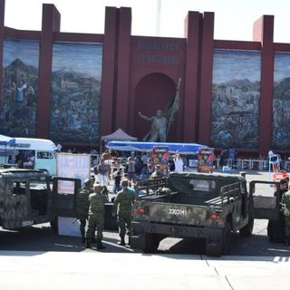 Vuelca camioneta de Sedena en la México-Querétaro