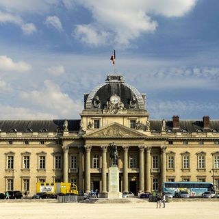 Gründung Ecole Militaire in Paris (am 22.01.1751)