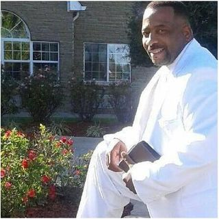 """""""Setting the Captives Free"""" with Minister Raleigh Thornton"""
