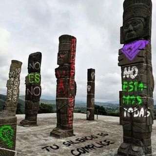 Feministas realizan pintas en monumentos de Hidalgo