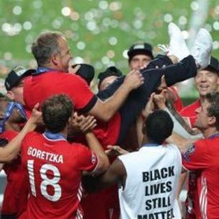 Calcio, Bayern Monaco sul tetto d'Europa: i tedeschi battono il Psg e alzano la Champions League