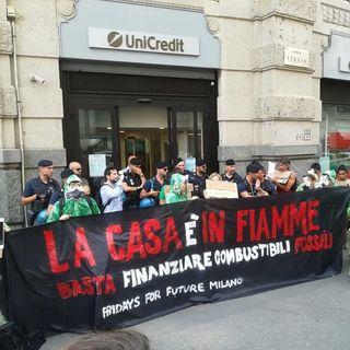 La casa è in fiamme, la protesta dei FFF ispirata a La casa di carta