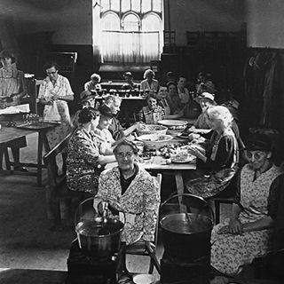 Harry & Edna on the Wireless ~ WW2 Womens Institute Reenactment