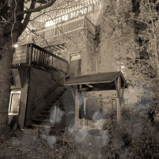 La oscura historia de Mistery Manor.