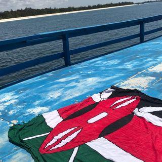 KENYA: ENJOY THE SENSE Cantando in barca a Mida Creek